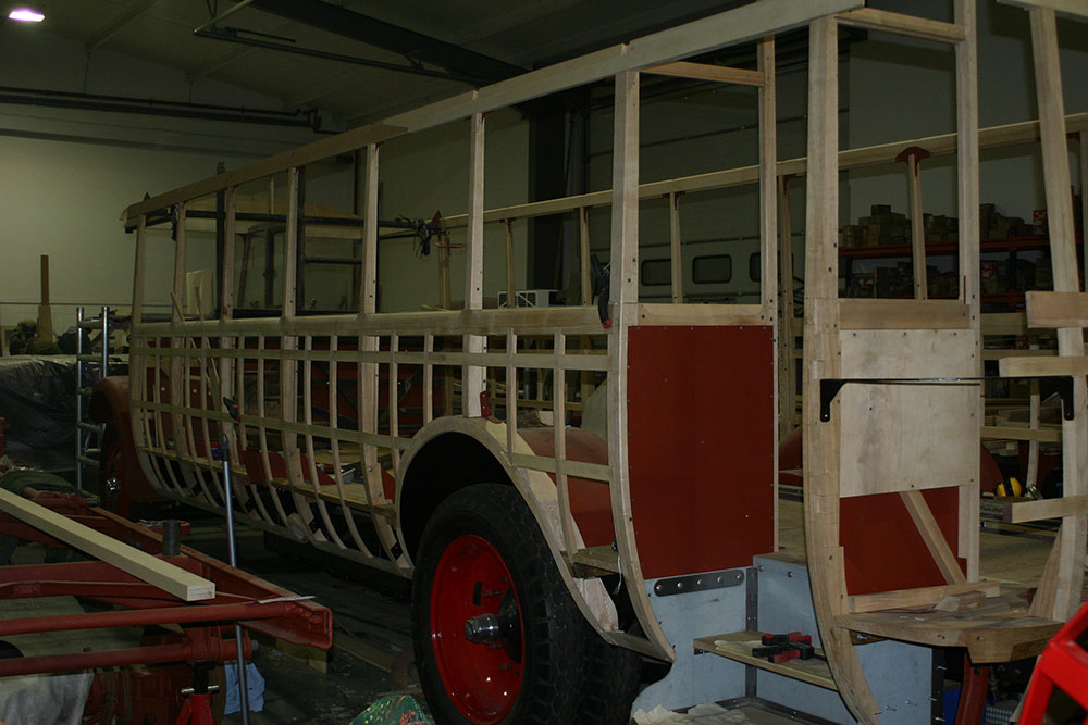 Full10 - 1929 Leyland Lion N/S framework view