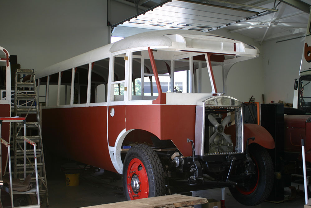 Full18 - 1929 Leyland Lion with cab panels and front dome loosely fitted before repair