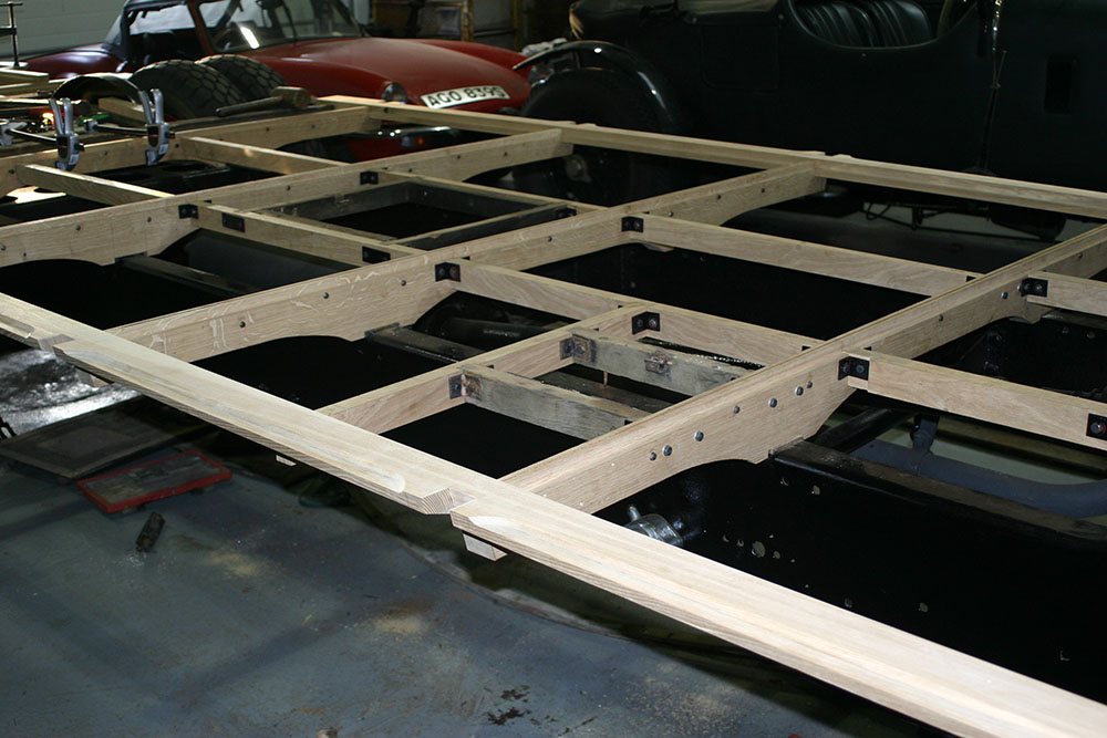 Full3 - 1929 Leyland Lion main floor framework utilising original fittings