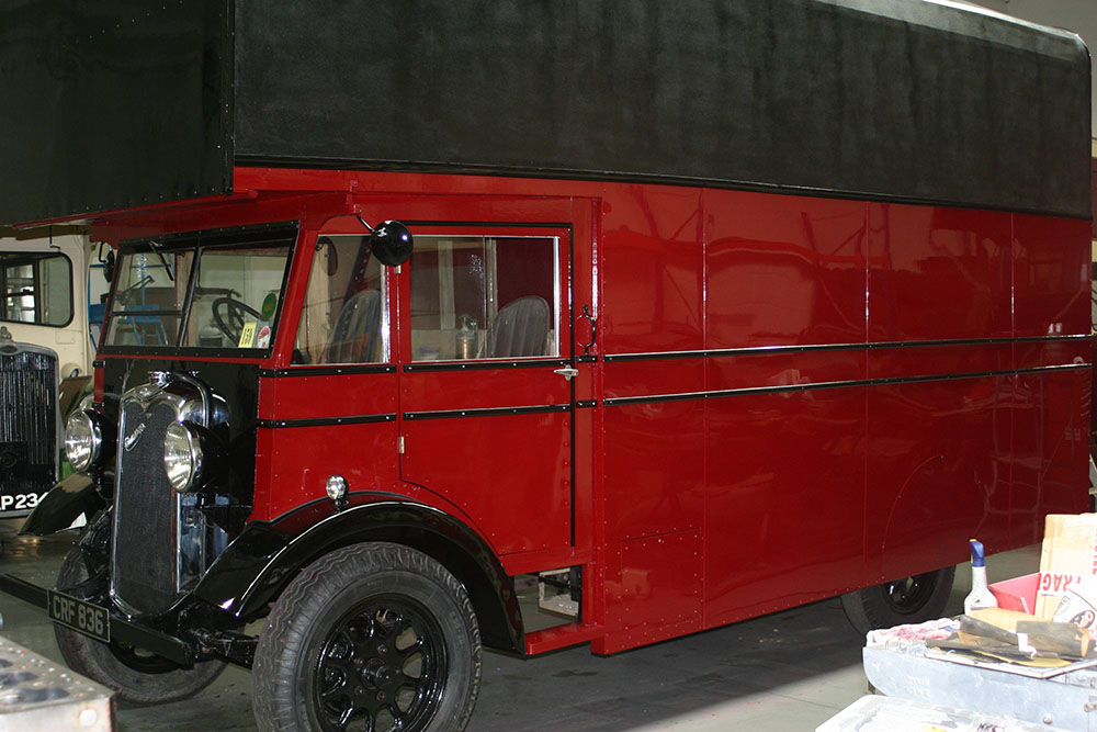 Paint5 - 1934 Commer Raider after restoration